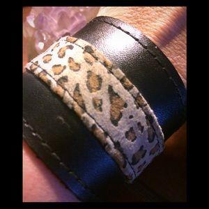 Jewelry - 🌙 New-Black Leather & Leopard Bracelet